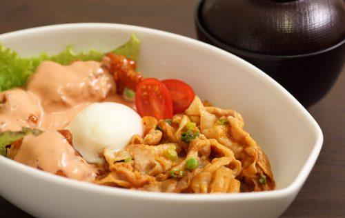 温玉のせ贅沢丼(味噌汁付き)