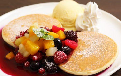 フルーツパンケーキ (ハワイアンスタイル)