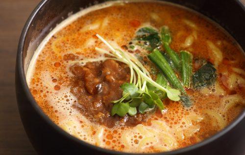 真っ赤な坦々麺